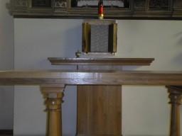 Obnażony Ołtarz i puste tabernakulum w Dolicach  /fot.: xmm /
